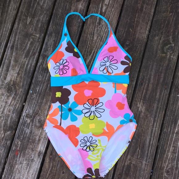 05182d3103e8a ... Talbots halter one piece bathing suit. M_5b7f3fbf1070eeda34c9e10c